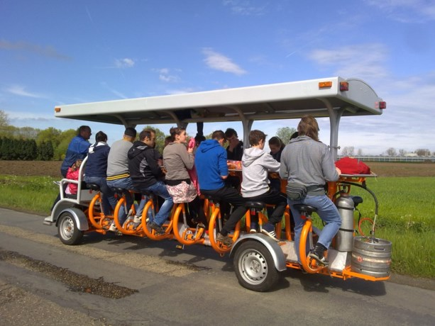 Amsterdam wil bierfiets vanaf november weren