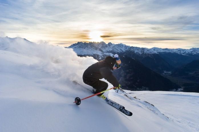"""Neerpeltenaar is de enige full-time freeride skiër van België: """"Op zoek naar het perfecte shot"""""""
