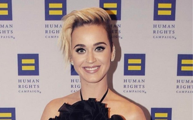 Van kort naar korter: Katy Perry toont nieuw kapsel, maar niet iedereen is enthousiast