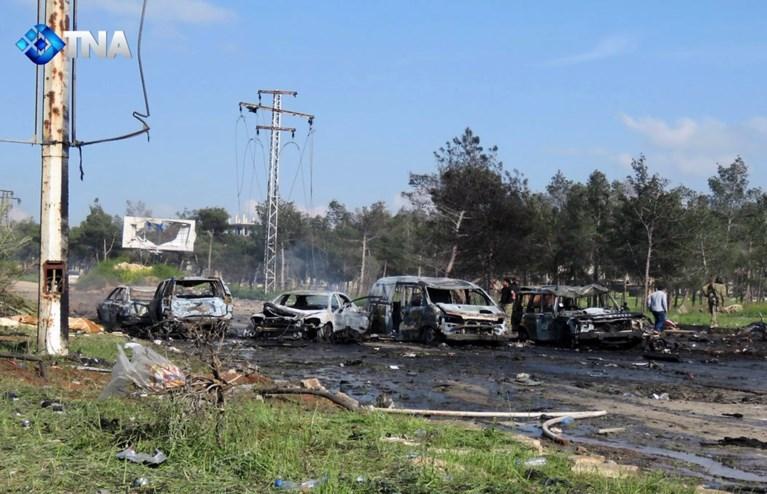 Zeker 43 doden bij aanslag met bom op bus met geëvacueerden