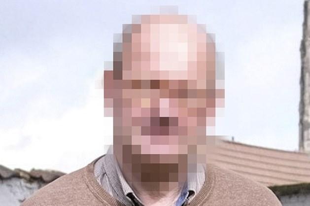 Penningmeester besteelt armenvereniging en gaat met winst naar rosse buurt in Antwerpen