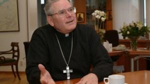 Misbruikte neef van bisschop Vangheluwe schrijft boek