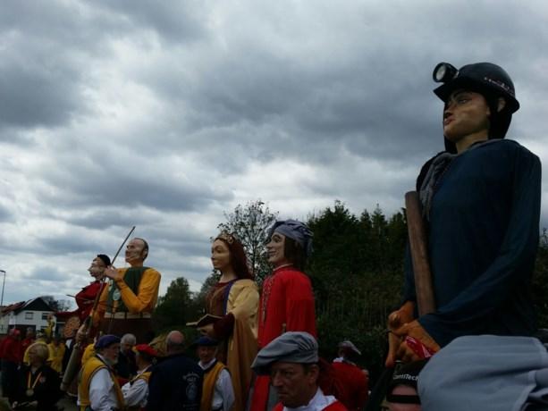 Limburgse reuzen vieren met Hendrik Vanwassenaer erfgoeddag