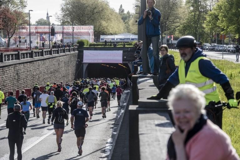 Oegandees wint marathon van Antwerpen, Van Schuerbeeck knap derde