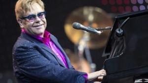 """Britse zanger Elton John getroffen door """"zeldzame, potentieel dodelijke bacterie"""""""