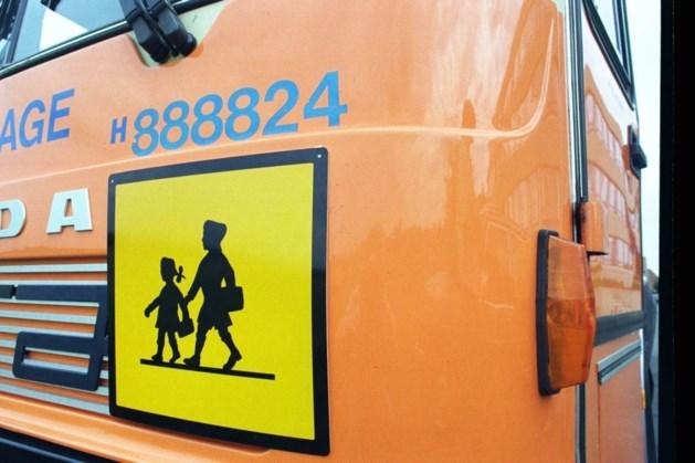 Peuter vergeten in schoolbus: hele dag opgesloten en pas na schooltijd weer opgemerkt