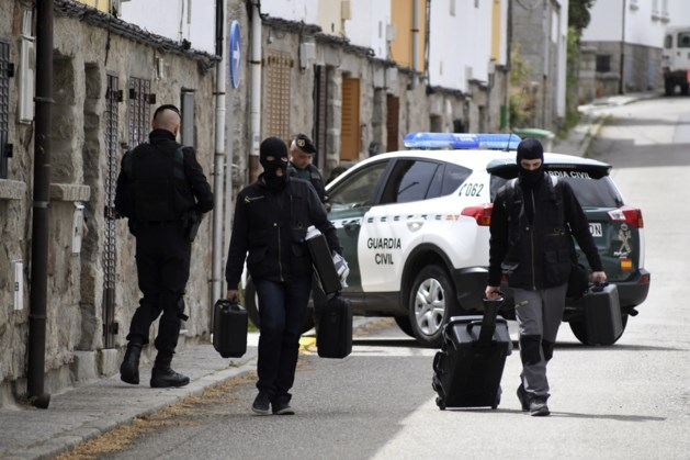 'Twee in Spanje aangehouden verdachten waren op luchthaven Zaventem bij aanslagen'