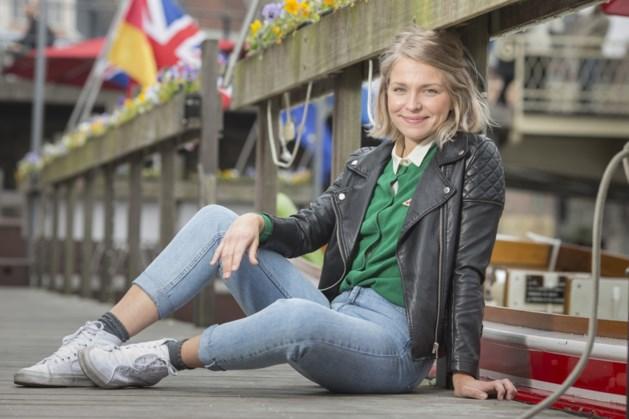 Julie Van Der Steen.Julie Van Den Steen Ik Was Als Kind Een Dikkerdje Met Flap