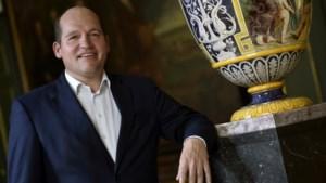 Nieuw Brussels burgemeester Philippe Close is geen onbesproken figuur: meer dan 20 mandaten