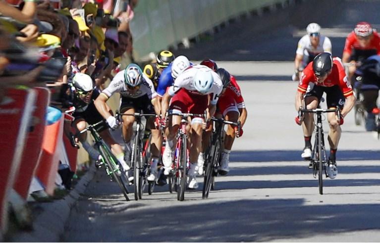 Ook Cavendish naar huis: sprinter stapt uit de Tour de France na val met Sagan