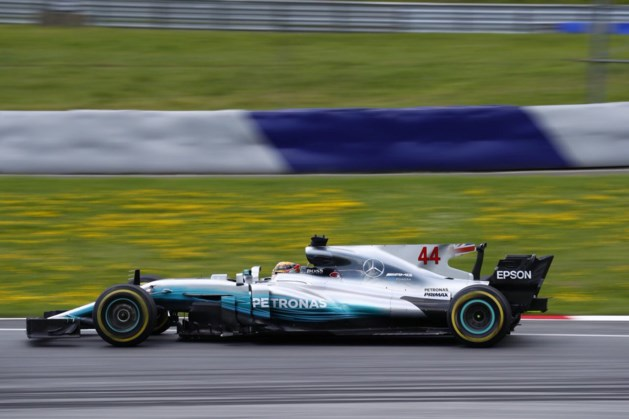 Hamilton ook snelste tijdens tweede oefensessie in Oostenrijk, Vandoorne twaalfde