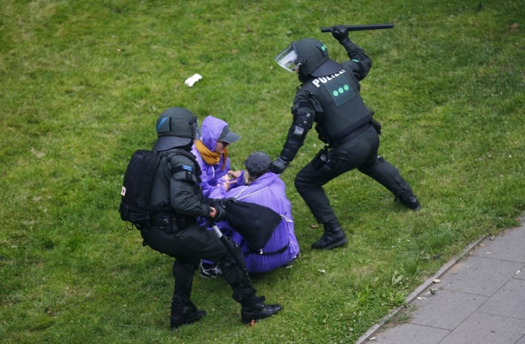 G20-top in Hamburg: 70 agenten gewond nadat betoging uitmondt in rellen