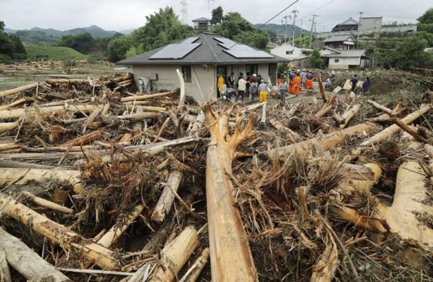 15 Japanners omgekomen door noodweer