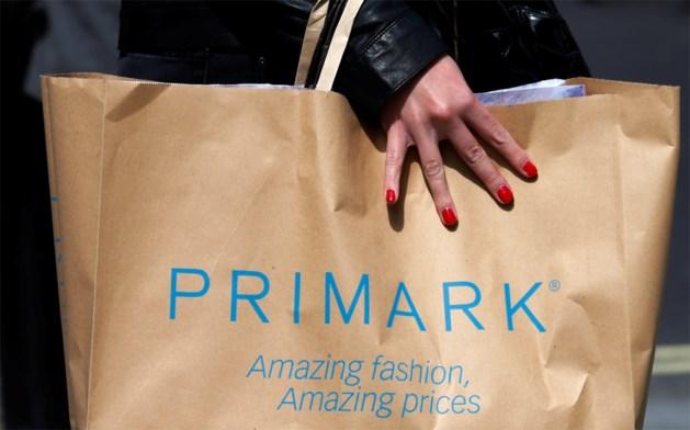 """Voormalige verkoper geeft geheimen van Primark prijs: """"Ik heb soms vuile dingen gezien in de winkel"""""""