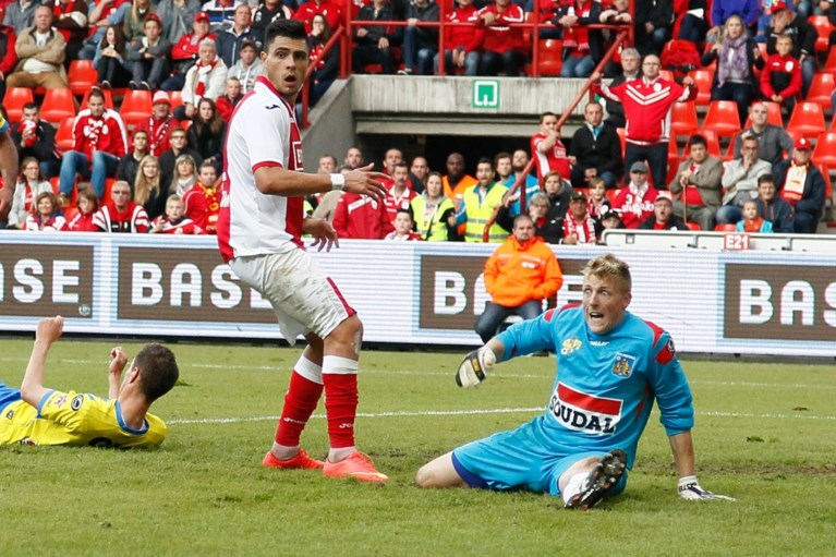 Ruben Fernandes verlaat STVV om familiale redenen, Teixeira komt over van Charlton