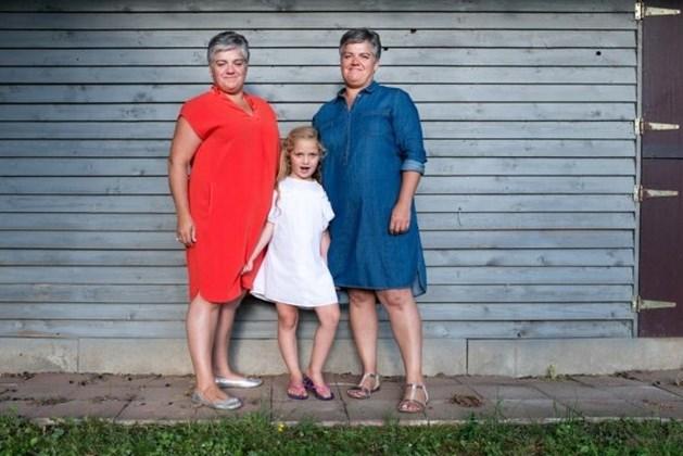 Tweelingzus mag meemoeder zijn
