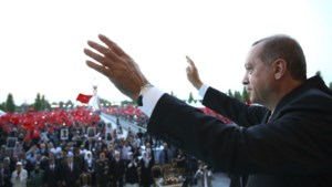 "Erdogan spreekt weer straffe taal: ""Niemand die Turkije verraadt, blijft ongestraft"""