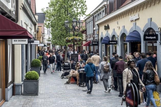 "Outlet Roermond onder vuur: ""Koopjes outletcentra te mooi om waar te zijn"""