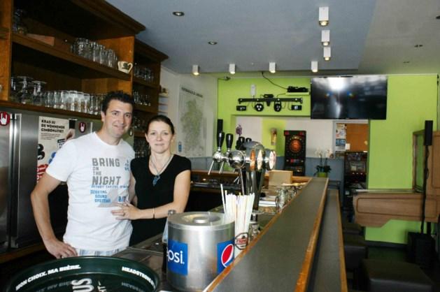 Glaasje drinken in café De Smis