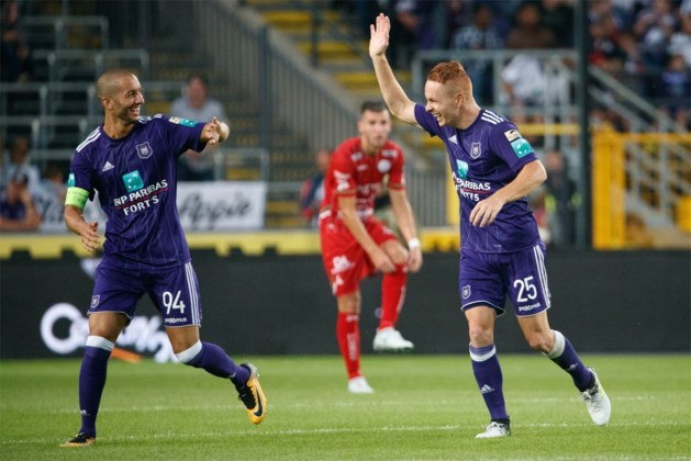 Anderlecht heeft zijn eerste prijs van het seizoen al beet na winst in Supercup tegen Zulte Waregem