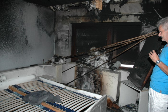 Bovenverdieping vernield door brand in airconditioning