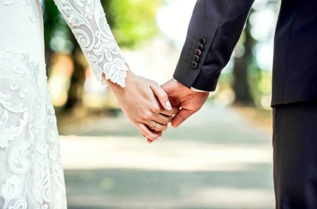 28 jaar waren ze gescheiden, totdat hun zoon besloot hen opnieuw bij elkaar te brengen