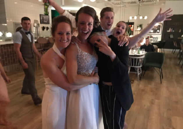 Kristen Stewart en Stella Maxwell crashen trouwfeest van nietsvermoedend koppel