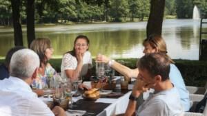 Bistro Toc-Toc: Elf keer kip op het menu in het park