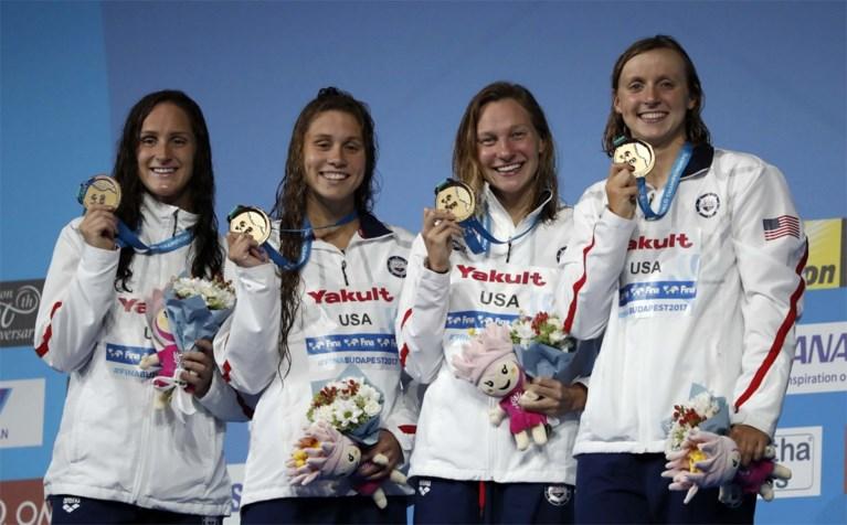 Ledecky pakt vierde gouden medaille met aflossingsteam op 4x200m vrije slag