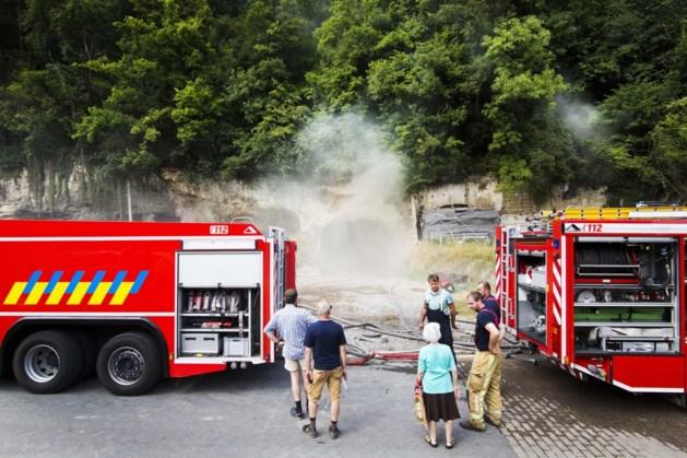 Geëvacueerde bewoners pas naar huis als brand in Cannerberg volledig geblust is