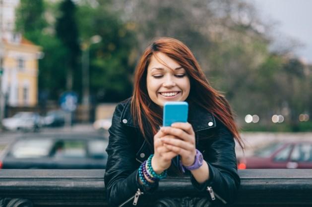 Smartphonegebruikers in Hawaï passen maar beter op wanneer ze de straat oversteken