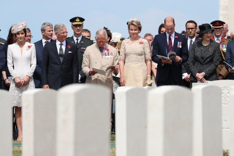 IN BEELD. Duizenden mensen herdenken Slag om Passendale op Tyne Cot