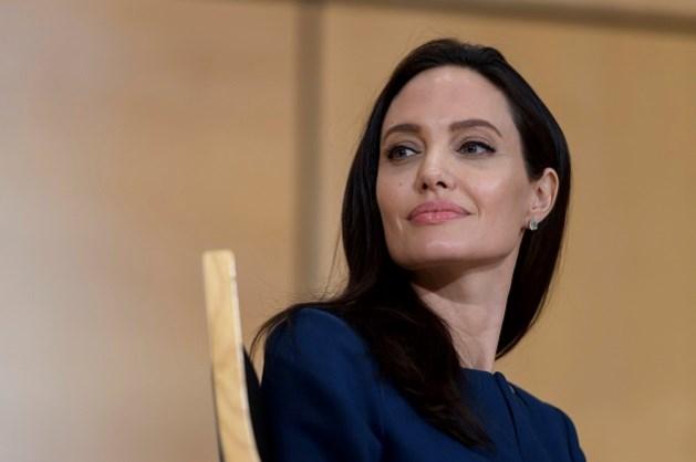 Angelina Jolie in nauwe schoentjes, maar zelf ontkent ze beschuldigingen