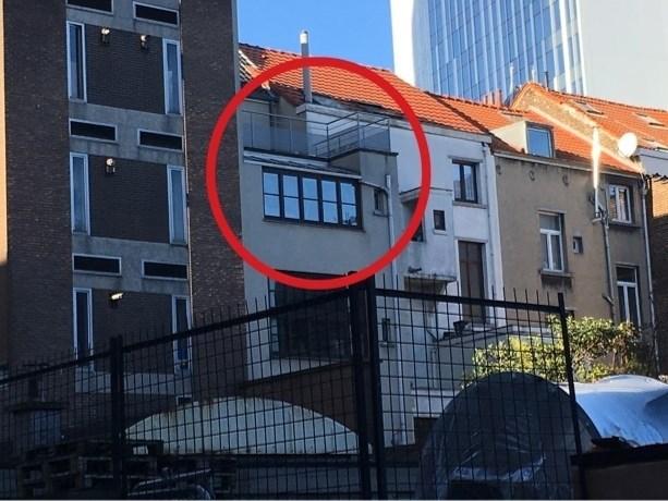 Rechtbank spreekt zich maandag uit in zaak koppel dat kind in kou op balkon zette
