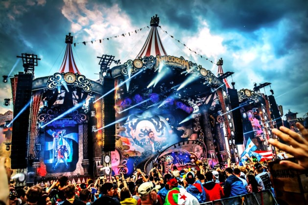 Video. Fans gebruiken drugs op mainstage Tomorrowland