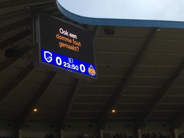"""Advocaten """"sponsoren"""" gele kaarten in Luminus Arena"""