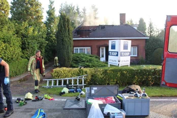 Hevige brand in te koop staand huis