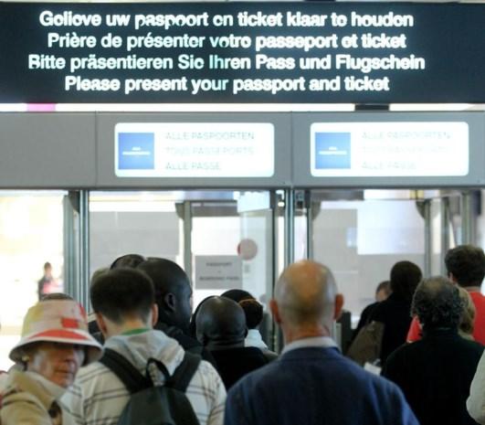 Extra controles op luchthavens lonen