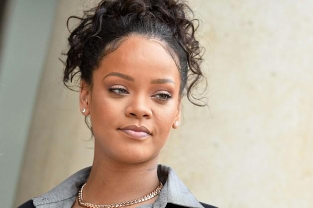 Na de kledinglijn lanceert Rihanna nu ook Fenty make-upcollectie
