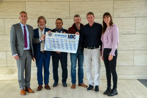 Kiwanis Quercus Lommel en LOC overhandigen cheque aan Special Olympics Belgium