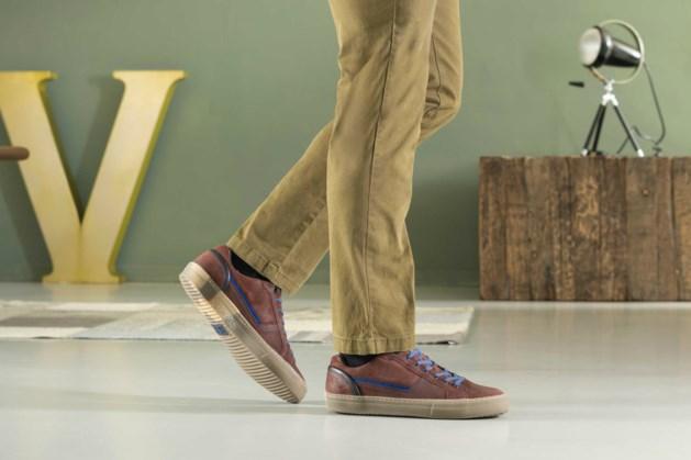Mannen: zo draag je sneakers op het werk