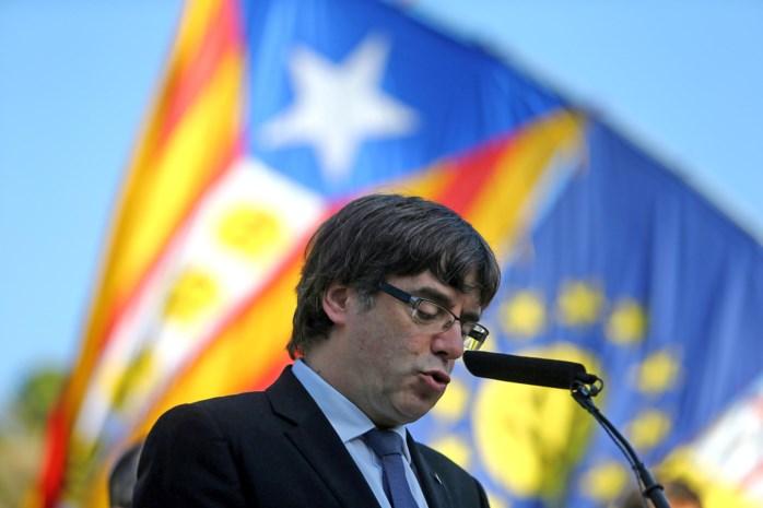 Madrid wil donderdag duidelijk antwoord van Puigdemont