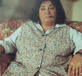 """Lesley-Ann reageert op kritiek op haar rondere vormen: """"Zeg, ik loop er toch niet bij als Ma Flodder, hé!"""""""
