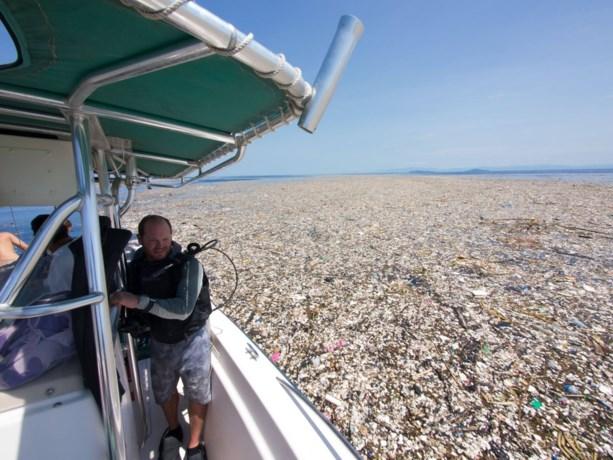 """Schokkende foto's tonen zee van plastic in tropisch paradijs: """"Dit moet stoppen"""""""