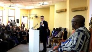 Franse president Macron erkent de misdaden tijdens het kolonialisme