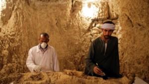 Archeologen ontdekken nieuwe grafkamers met mummies in Egypte