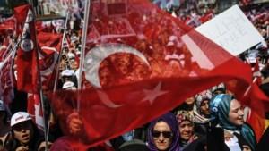 Turkije vist meer dan 1.800 na mislukte coup ontslagen ambtenaren weer op