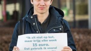 """""""Pendelstudent geeft 77 euro per week uit"""""""