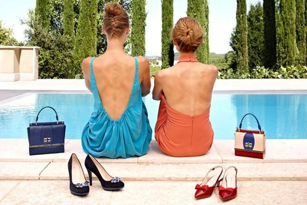 De kleur schoenen waarmee elke modebewuste vrouw nu rondloopt