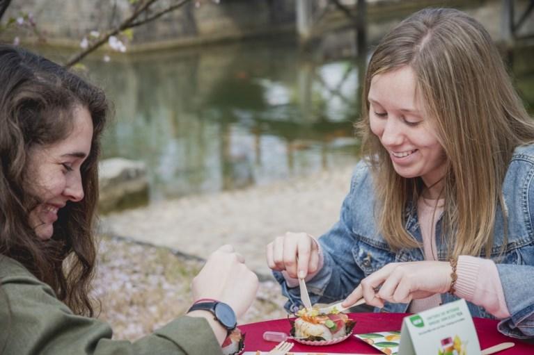 VIDEO. Sushifestival lokt veel volk naar Japanse Tuin